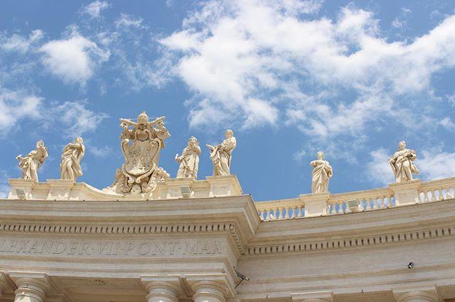 Vatican City. . . . . #BlueSkys #CityBreak #Vatican #VaticanCity #VaticanCityRome #ExploreItaly #Rome #Roma #ItalianArchitecture #ItalianHistory #EuropePhotography #Canon700d