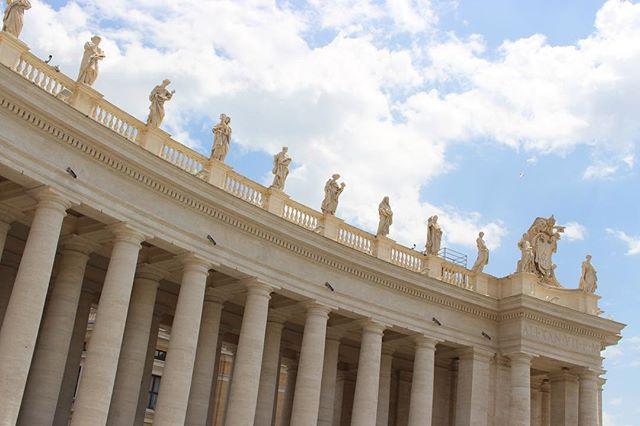 Vatican City. . . . . #Vatican #VaticanCity #VaticanCityRome #ExploreItaly #Rome #Roma #ItalianArchitecture #ItalianHistory #EuropePhotography #Canon700d