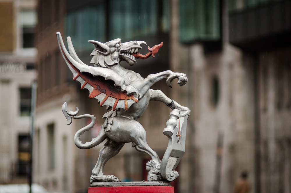 Farringdon BOUNDARY Dragon  - PHOTOGRAPHY : ALEXANDER J.E. BRADLEY - NIKON D7000 - NIKKOR 24  -70M  M F/2.8 @   36  MM - F/16   - 1/1  000 - ISO 8  00