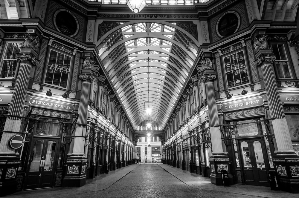Leadenhall MARKET DRAGON - PHOTOGRAPHY : ALEXANDER J.E. BRADLEY - NIKON D7000 - NIKKOR 14-24mM F/2.8 @ 14mM - F/11 - 2 seconds - ISO 100