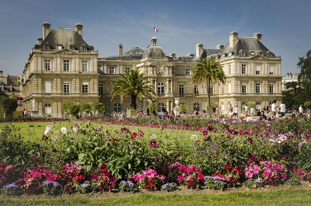 Jardin du Luxembourg - Photography : Alexander J.E. Bradley - Nikon D7000 - Nikkor 24-70mm f/2.8 @ 32mm - F/8 - 1/250 - ISO:100