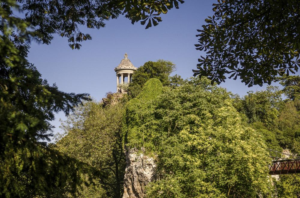 Parc des Buttes-Chaumont - Photography : Alexander J.E. Bradley - Nikon D7000 - Nikkor 24-70mm f/2.8 @ 42mm - F/5.6 - 1/640 - ISO:100