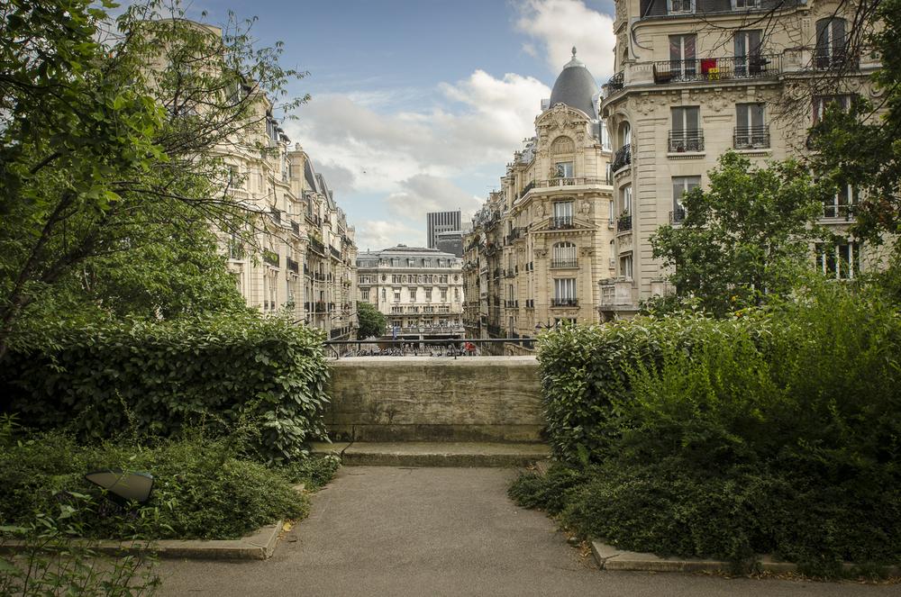 Coulée verse Réne-Dumont - PHOTOGRAPHY : ALEXANDER J.E. BRADLEY - NIKON D7000 - NIKKOR 24-70MM F/2.8 @ 24mm - F/11 - 1/250 - ISO:400