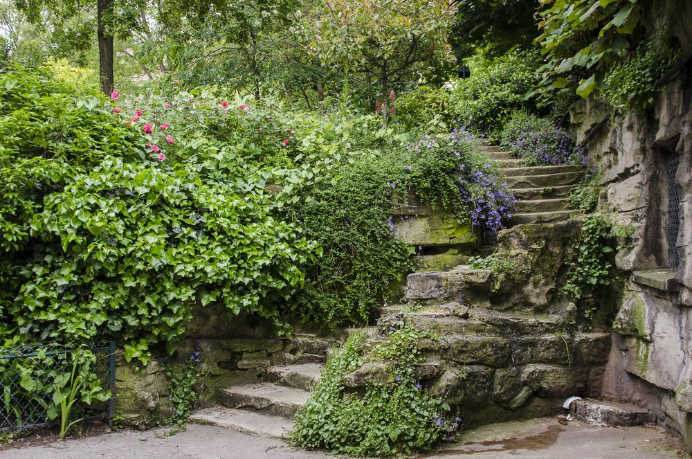 Le jardin de la Nouvelle-France - PHOTOGRAPHY : ALEXANDER J.E. BRADLEY - NIKON D7000 - NIKKOR 24-70MM F/2.8 @ 24mm - F/2.8 - 1/125 - ISO:500
