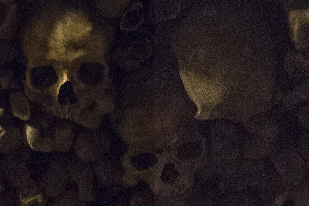 Catacombs of Paris - PHOTOGRAPHY : ALEXANDER J.E. BRADLEY - NIKON D610 @ 21mm on left, Nikon D7100 @ 14mm on right - NIKKOR 14-24MM F/2.8 - F/2.8 - 1/30 - ISO:6400 - Cropped to 100%