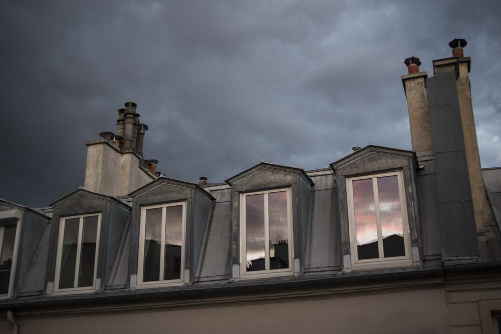 Quartier d'Aligre - PHOTOGRAPHY : ALEXANDER J.E. BRADLEY - NIKON D610 - NIKKOR 18-55MM F/3.5 DX @ 45mm in FX mode F/5.3 - 1/60 - ISO:800