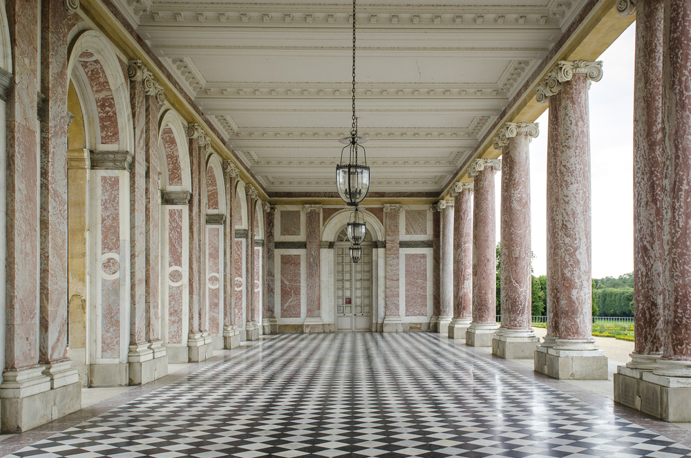 The Grand Trianon Photography : Alexander J.E. Bradley - Nikon D7000 - 24.0-70.0 mm f/2.8 @ 36mm - f/5.6 - 1/125 - ISO 400