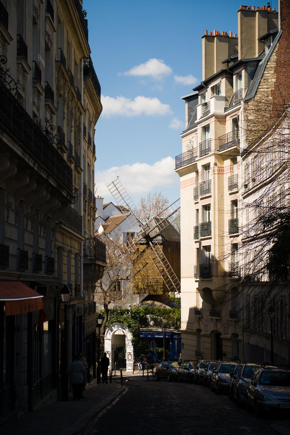 LE MOULIN DE LA GALETTE - PHOTOGRAPHY : WILLIAM LOUNSBURY - NIKON D800 - NIKKOR 24-70MM F/2.8 @ 70MM - F/2.8- 1/4000 - ISO:200