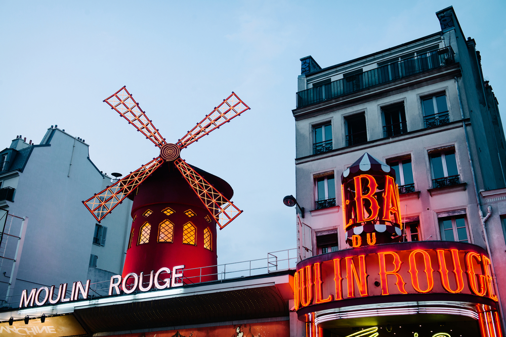 MOULIN ROUGE - PHOTOGRAPHY : WILLIAM LOUNSBURY - NIKON D800 - NIKKOR 24-70MM F/2.8 @ 4  5MM - F/2.8   - 1/20  0 - ISO:2  00