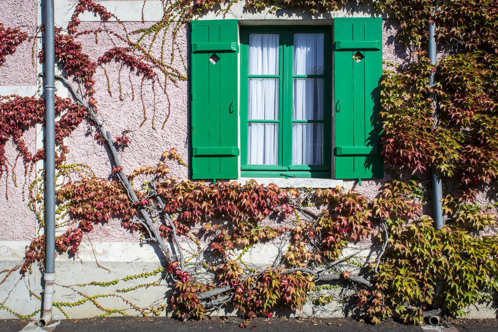 Rue Claude Monet - PHOTO: ALEXANDER J.E. BRADLEY - NIKON D7100 - 24-70MM F/2.8 @ 24MM - F/11 - 1/250 - ISO 200