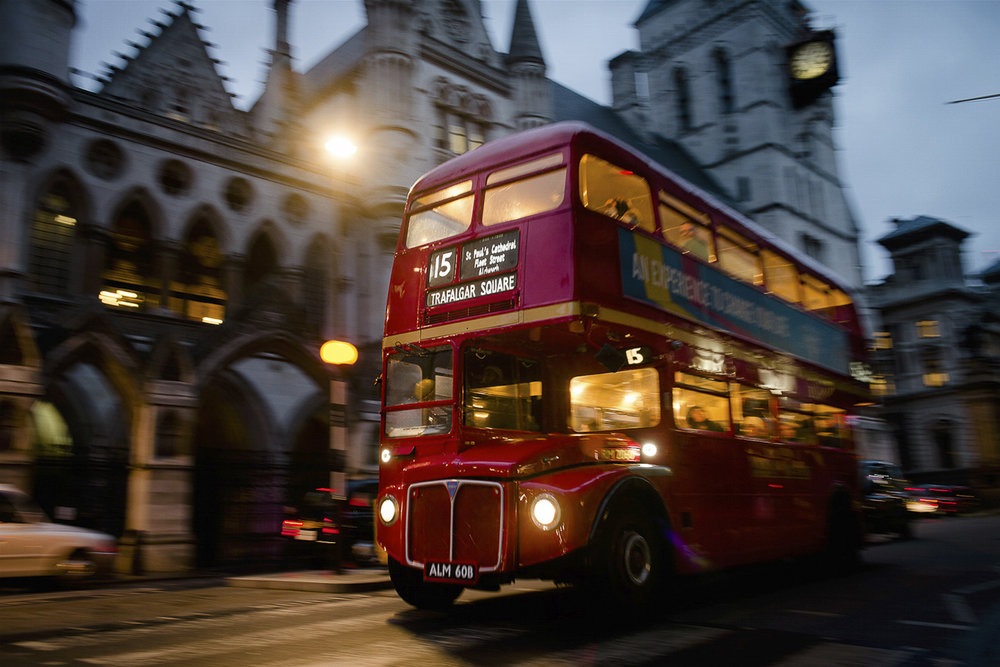 London Double Decker Bus - PHOTO: William Lounsbury - NIKON D800 - 24-70MM F/2.8 @ 29mm - f/5 - 1/25 - ISO 800