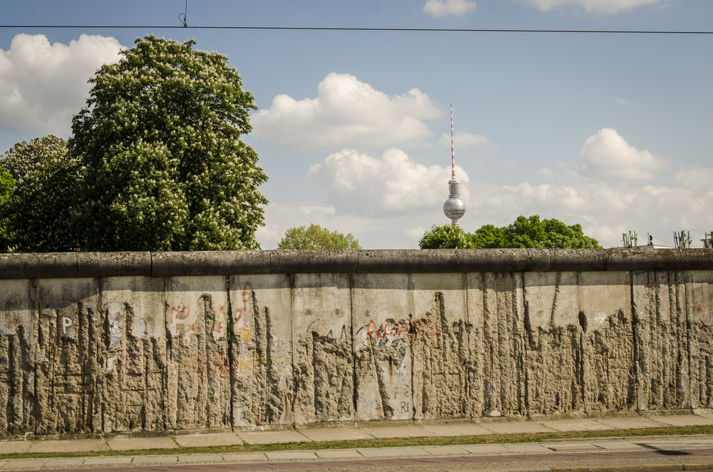 the Berlin Wall Museum Photography : Alexander J.E. Bradley - Nikon D7000 - 24-70mm f/2.8 @ 48mm - f/10 - 1/125 - ISO 100