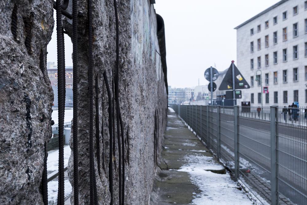 Topography Of Terror -Niederkirchnerstraße Photography : Alexander J.E. Bradley - Nikon D500 - 14-24mm f/2.8 @ 24mm - f/8 - 1/30 - ISO 400