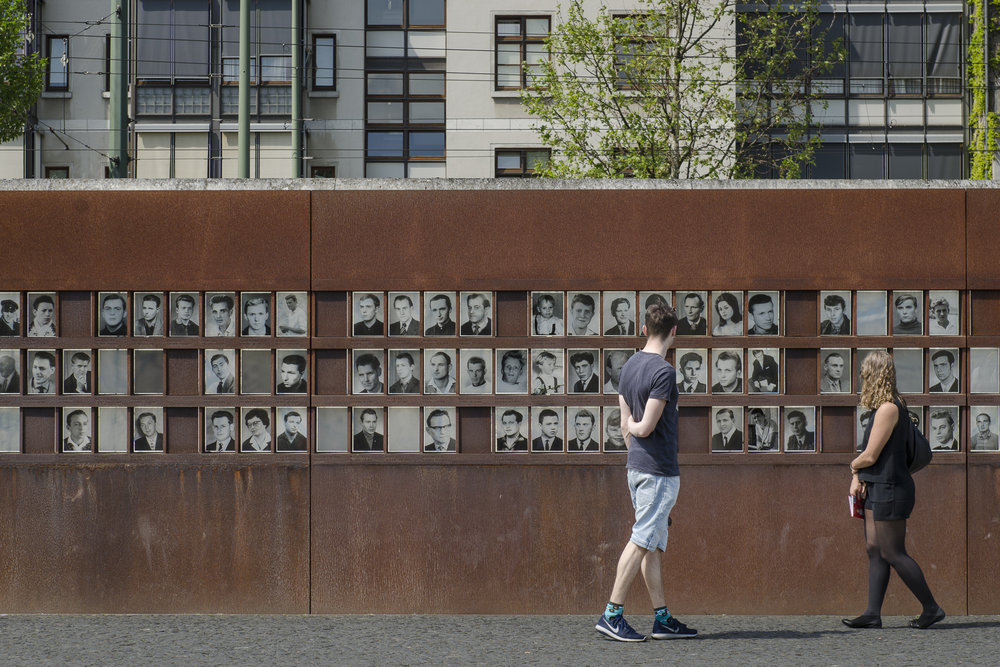 Berlin Wall Museum Photography : Alexander J.E. Bradley - Nikon D7000 - 24-70mm f/2.8 @ 70mm - f/9 - 1/125 - ISO 100