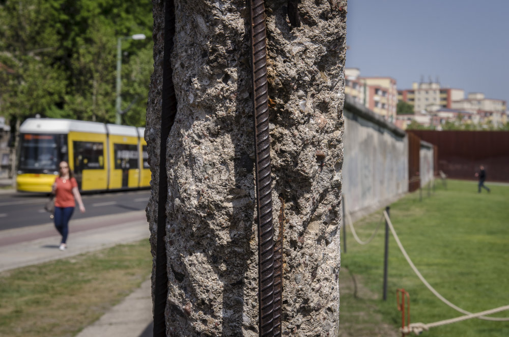 Berlin Wall Museum Photography : Alexander J.E. Bradley - Nikon D7000 - 24-70mm f/2.8 @ 56mm - f/16 - 1/40 - ISO 100