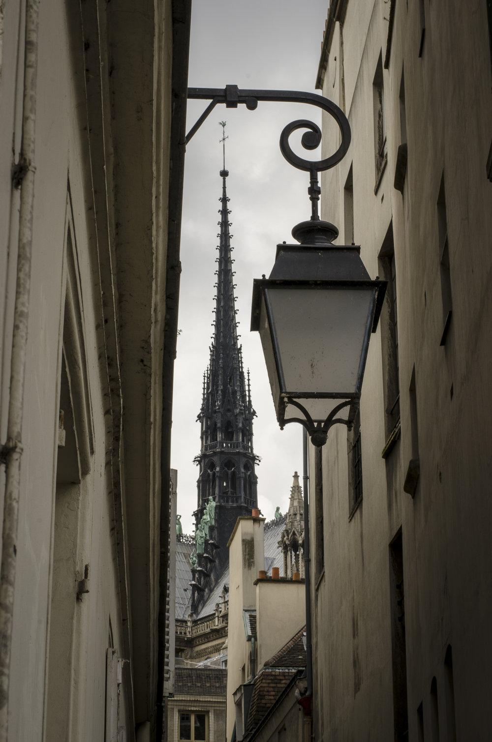 Rue des Chantres  PHOTOGRAPHY : ALEXANDER J.E. BRADLEY •Nikon D7000 • AF-S NIKKOR 50mm f/1.8G • F/16 • 1/60 •ISO 100