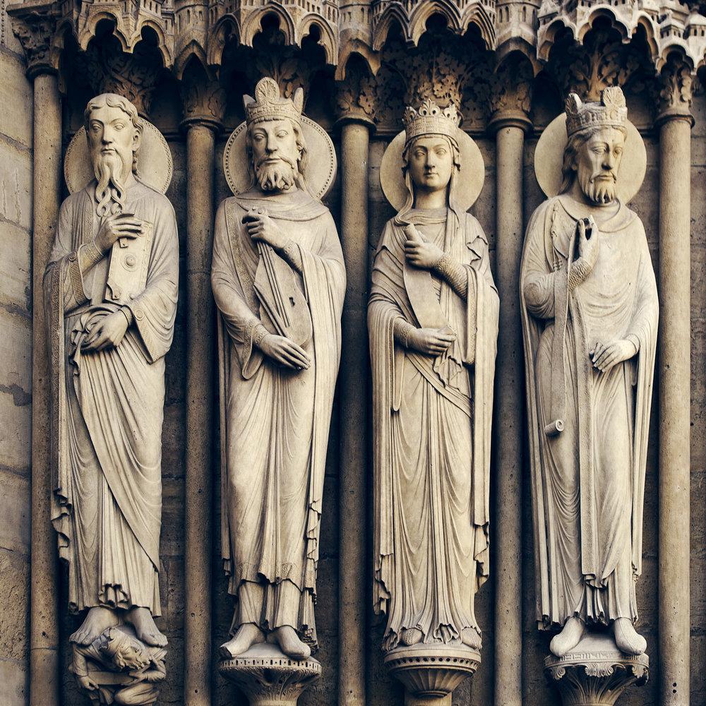 Parvis Notre Dame - Place Jean-Paul II   PHOTOGRAPHY : ALEXANDER J.E. BRADLEY •Nikon D7000 • AF-S NIKKOR 24-70mm F/2.8G ED • 34mM • F/4.5 • 1/80 •ISO 100