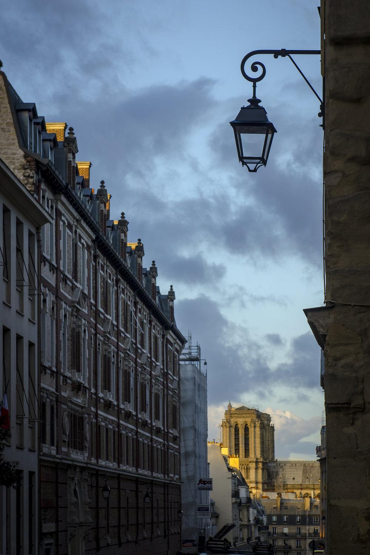 Rue Valette, Panthéon  PHOTOGRAPHY : ALEXANDER J.E. BRADLEY •Nikon D500 • AF-S NIKKOR 24-70mm F/2.8G ED • 70mM • F/5.6 • 1/200 •ISO 100