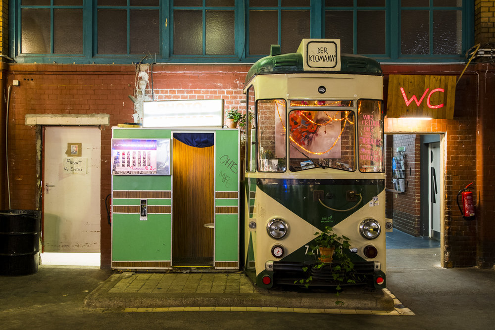 Markthalle Kreuzberg PHOTOGRAPHY: ALEXANDER J.E. BRADLEY •NIKON D500 • AF-S NIKKOR 14-24MM F/2.8G ED @ 23MM • F/2.8 •1/20 •ISO 800