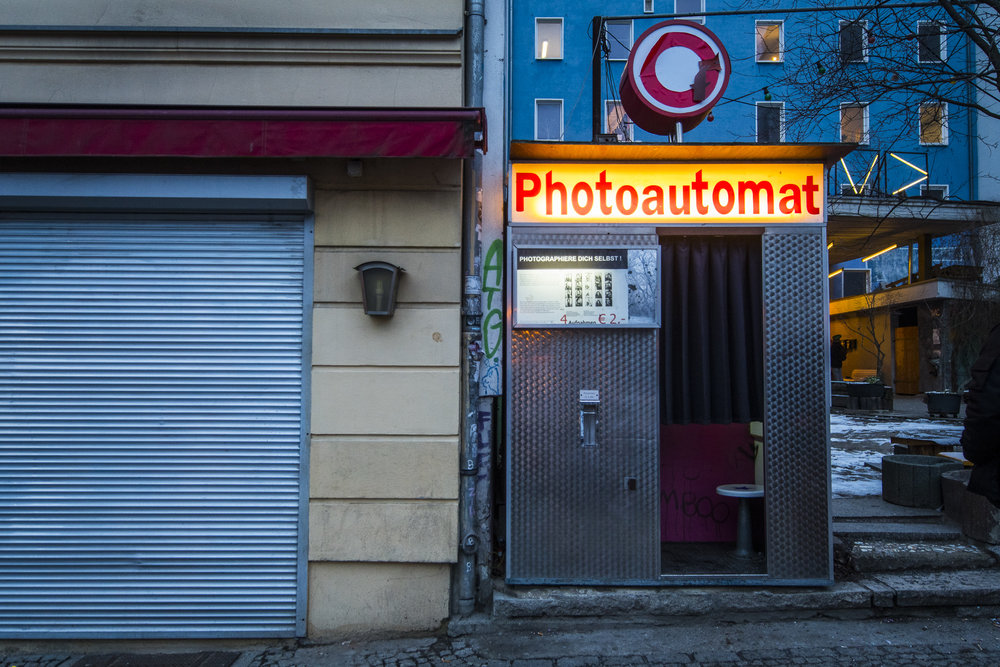 Veteranenstraße 21 PHOTOGRAPHY: ALEXANDER J.E. BRADLEY •NIKON D500 • AF-S NIKKOR 14-24MM F/2.8G ED @16MM • F/2.8 •1/125 •ISO 800