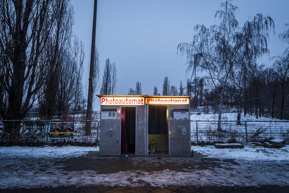Mauerpark PHOTOGRAPHY: ALEXANDER J.E. BRADLEY •NIKON D500 • AF-S NIKKOR 14-24MM F/2.8G ED @14MM • F/4 •1/30 •ISO 800