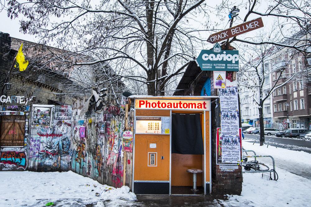 Revaler Straßer 99 PHOTOGRAPHY: ALEXANDER J.E. BRADLEY •NIKON D500 • AF-S NIKKOR 14-24MM F/2.8G ED @17MM • F/3.5 •1/50 •ISO 200