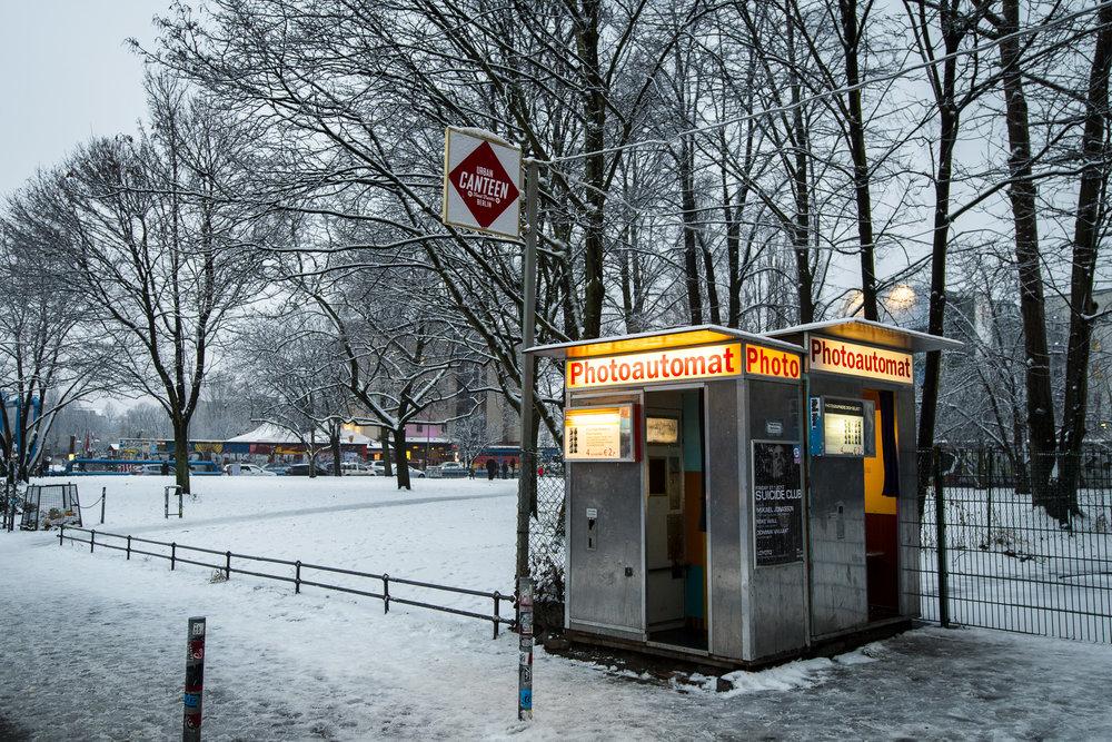 Warschauer Straßer 47 PHOTOGRAPHY: ALEXANDER J.E. BRADLEY •NIKON D500 • AF-S NIKKOR 14-24MM F/2.8G ED @ 20MM • F/4 •1/60 •ISO 400