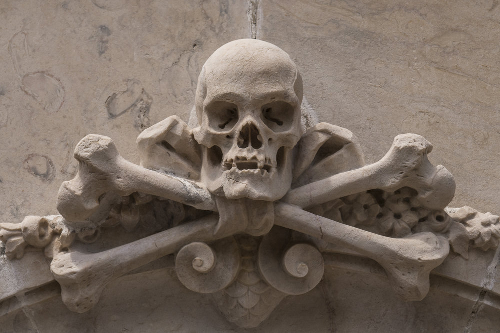 Prazeres Cemetery  PHOTOGRAPHY: ALEXANDER J.E. BRADLEY •NIKON D500 • AF-S NIKKOR 24-70mm f/2.8G ED • 62mm • F/8 •1/320 •ISO 100