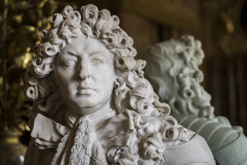 Marble bust of Louis XIV PHOTOGRAPHY: ALEXANDER J.E. BRADLEY •NIKON D500 • AF-S Nikkor 50mm f/1.8G • Ƒ/1.8 •1/1000•ISO 1600