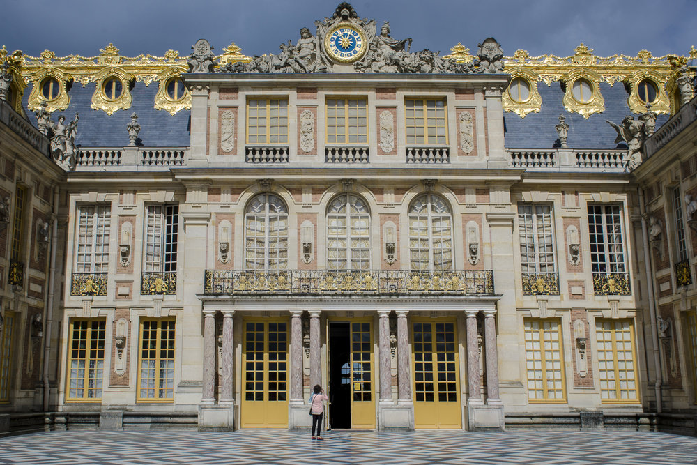 Cour de marbre PHOTOGRAPHY: ALEXANDER J.E. BRADLEY •NIKON D7000 • AF-S NIKKOR 24-70mm f/2.8G ED @ 24mm • Ƒ/14 •1/125•ISO 100