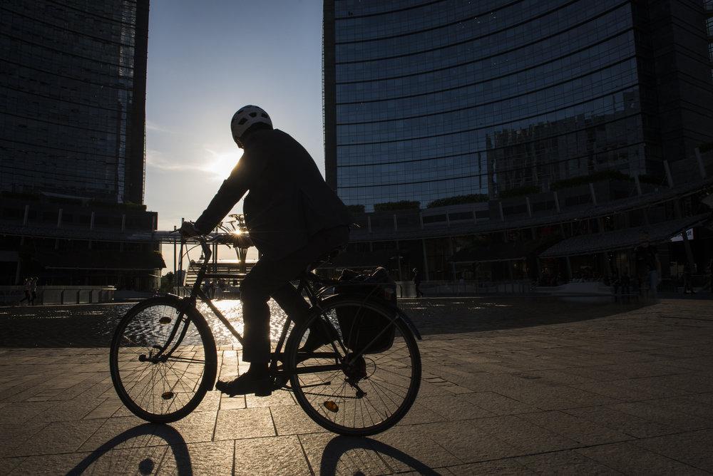 Piazza Gae Aulenti-bike-Milan.jpg