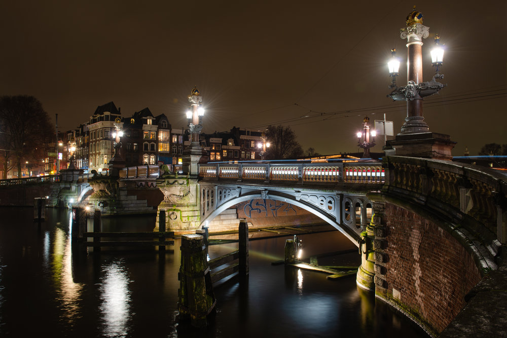 Blauwbrug  PHOTOGRAPHY: William Lounsbury • NIKON D800 • AF-S NIKKOR 24-70MM Ƒ/2.8G ED @ 28MM • Ƒ/8 • 10 sec • ISO 100
