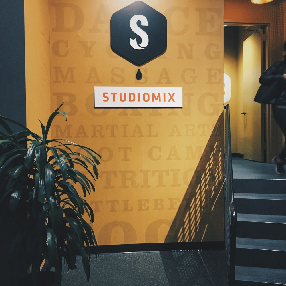The entry way to the stairs to Studiomix