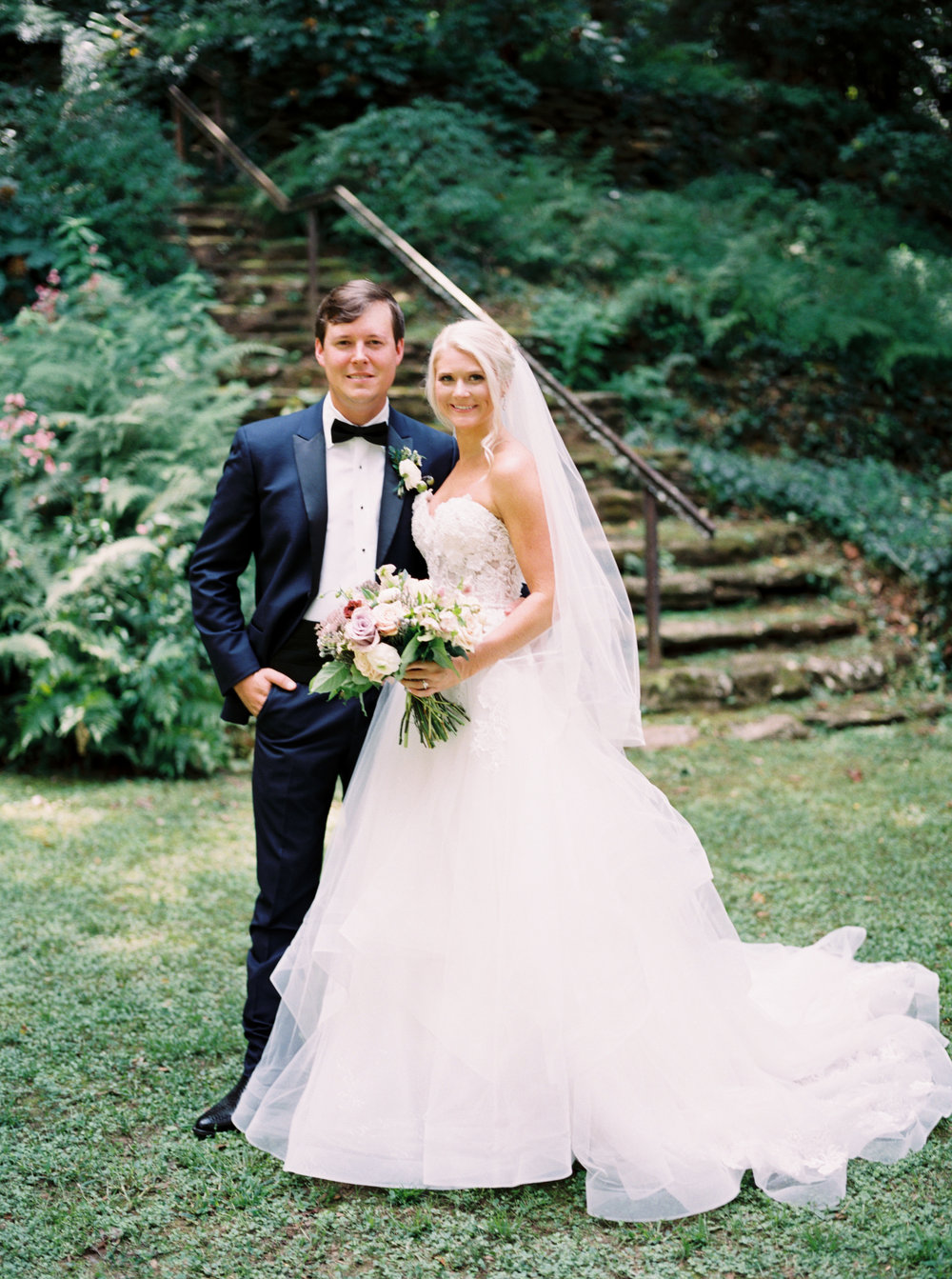 Johnny_Erin_Carter_Dunaway_Gardens_Wedding_Fallen_Photography_Film_Photographer_3c-65.JPG