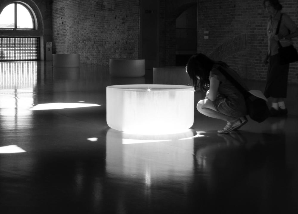 33. Solid cast glass_Light_P1070954_bw1F600.jpg