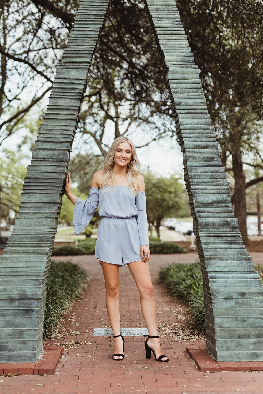 Kyliehull_claire-senior-15.jpg