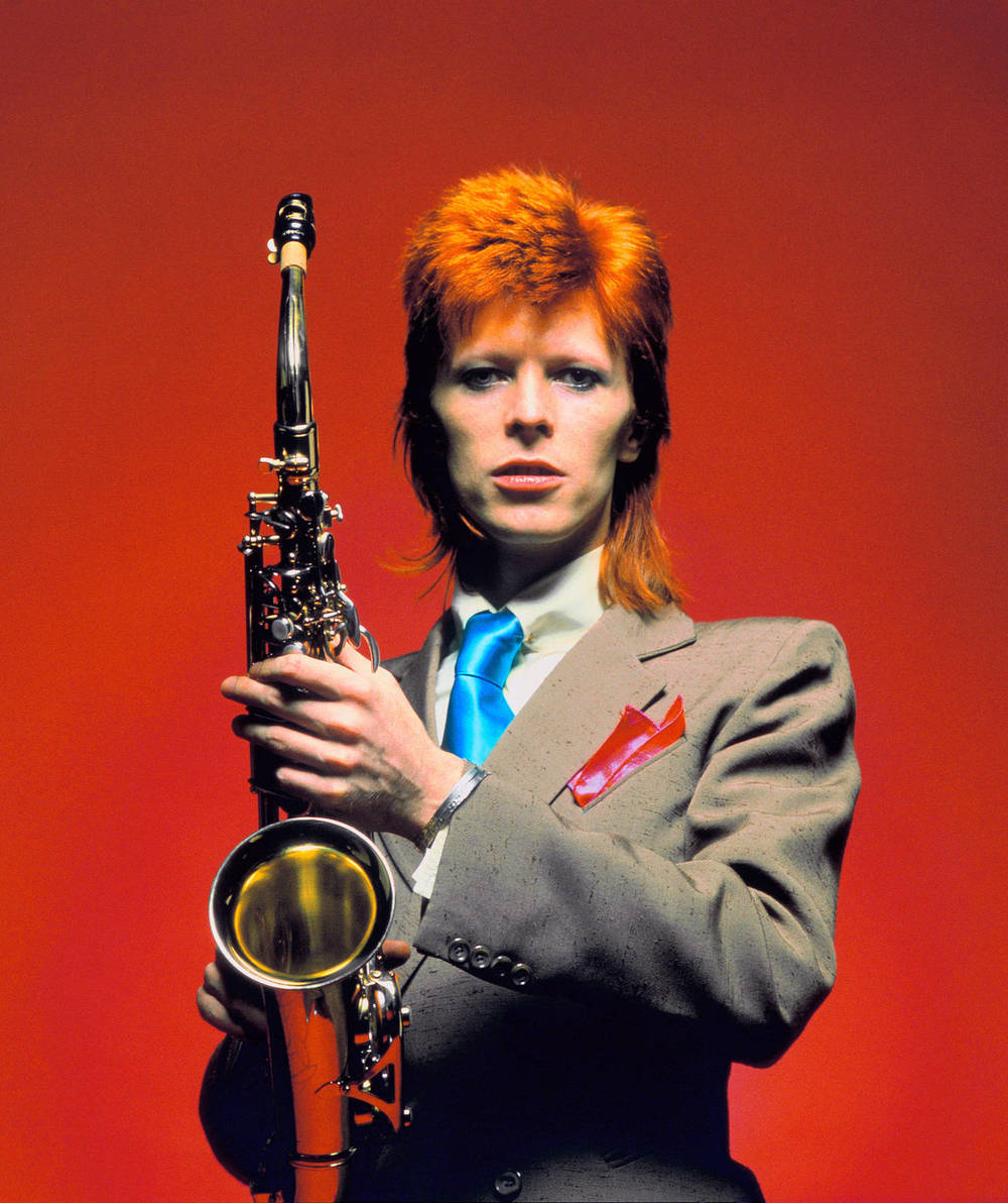 BowieSaxCUColor_1_London1973_3040cMickRock037_l.jpg