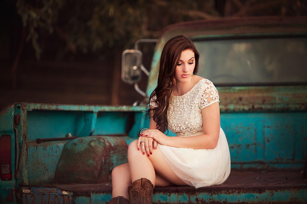 Dena_Rooney_Senior_Portrait_Photographer_040.jpg