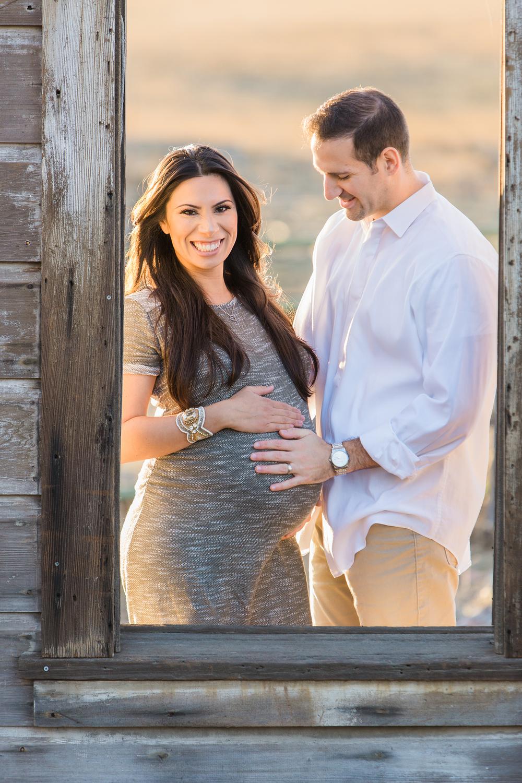 Dena_Rooney_Maternity_Portraits_003.jpg