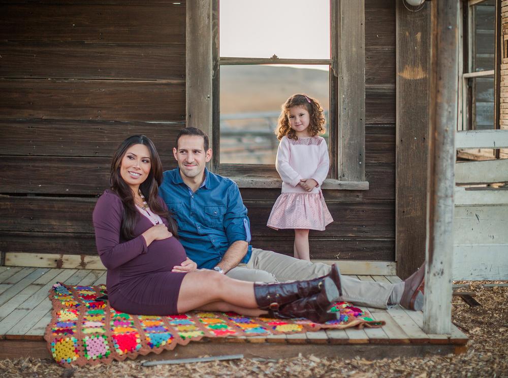 Dena_Rooney_Maternity_Portraits_005.jpg