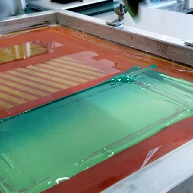 Printing up a storm with @vic_barq today at @chicagoprintmakers ! Finished up print 2/3 in our 1st series together, and starting 3/3. . . . #prints #print #printmaking #art #screenprint #screenprinting #photoshop #layers #stacks #pancakes #magnets #tiles #gradient #drawing #artistsoninstagram #chicago #chicagoart #chicagoartist #cpc #chicagoprintmakerscollaborative