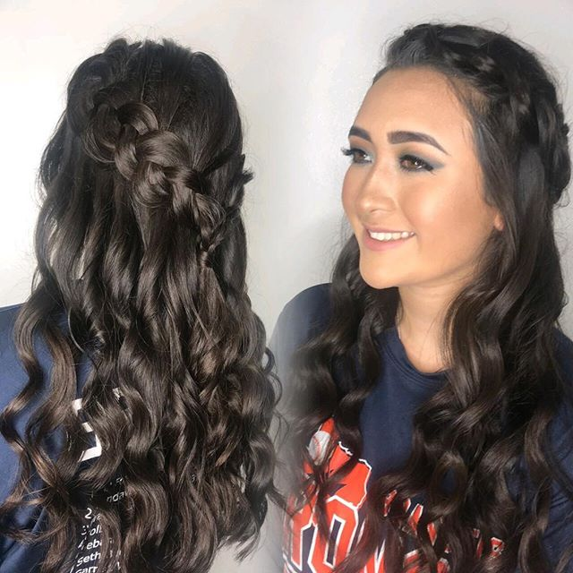 Updo by @hair_by_charli and Make Up by @hairbybarbaraeli for my Neice's Lauren's Home coming! We have you covered for any special occasion either on location or at the salon🙌🏼 #sanantoniohairstylist #sanantonioupdo #sanantoniomakeupartist #sanantoniosalon #texasmakeuoartist #unite #pca