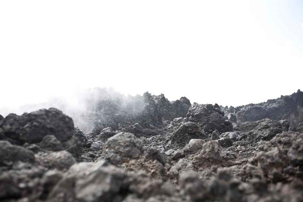 kauai-rock_1200_o.jpg