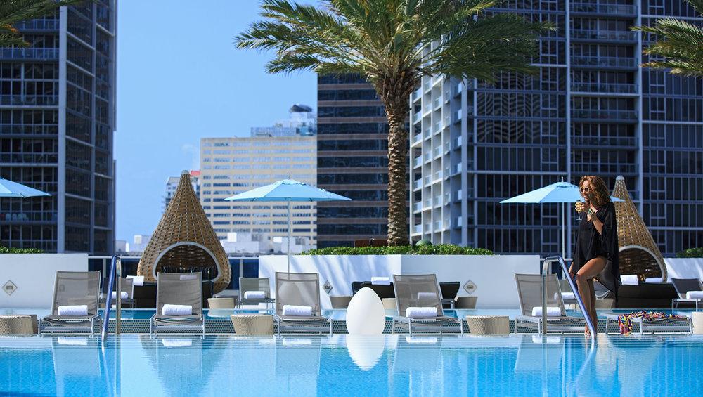 pool-lifestyle-2765-8ead0249.jpg