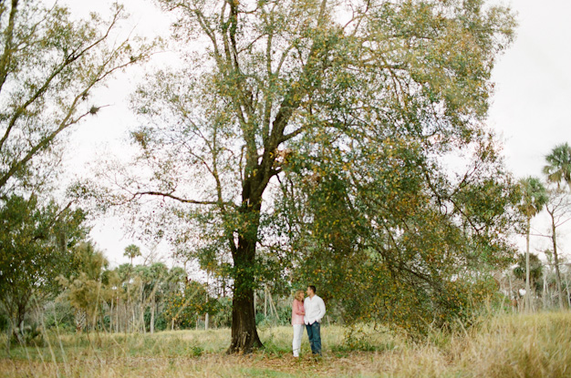 Engagement session at Riverbend Park in Jupiter