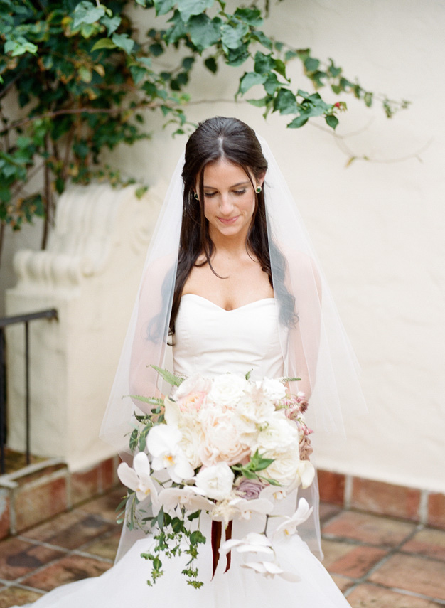 Gorgeous bride at Villa Woodbine in Miami - photo by Kat Braman