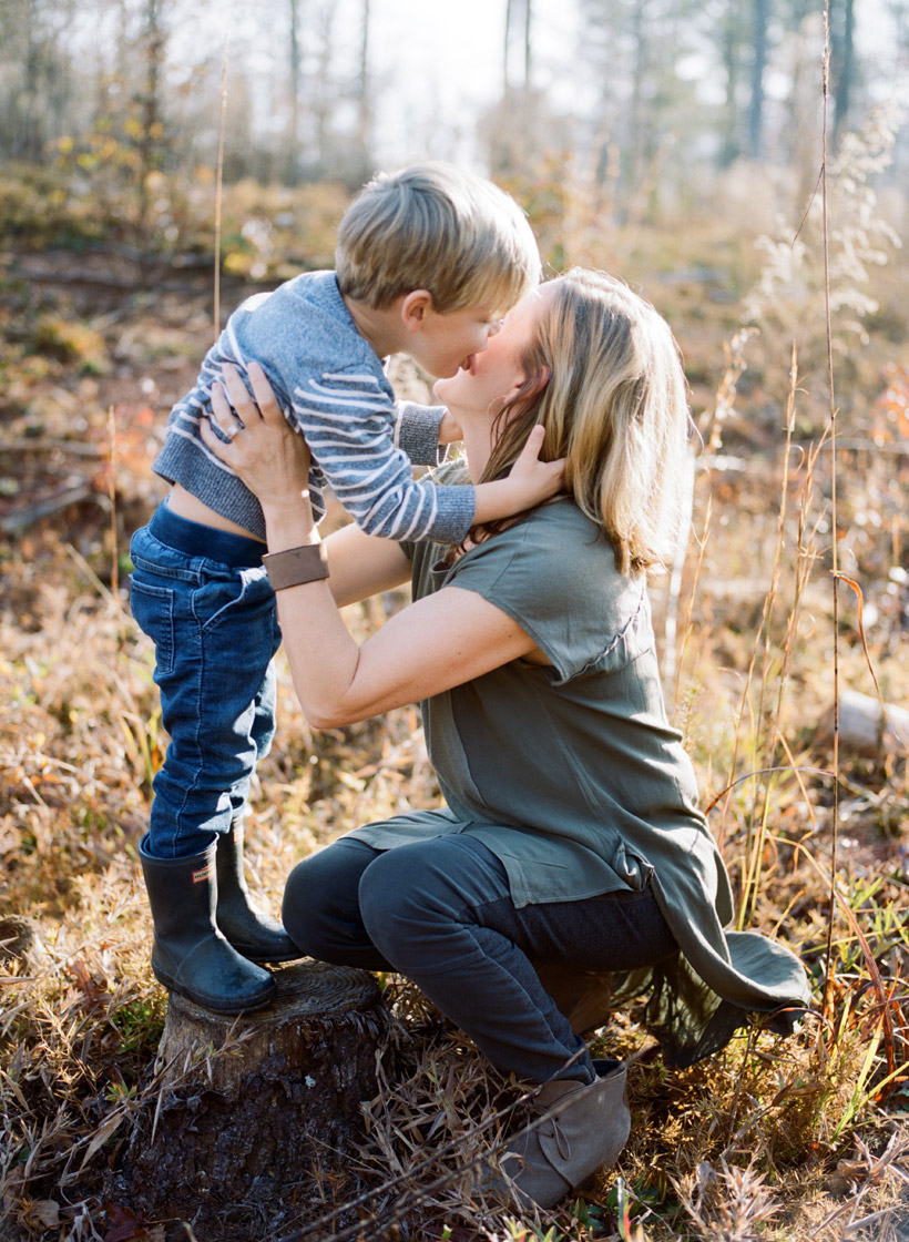 Tips for creating authentic family photos - photo by Kat Braman