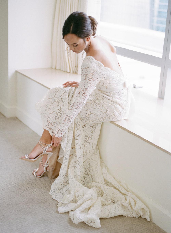 Amanda-Mike-Wedding-GettingReady-047.jpg