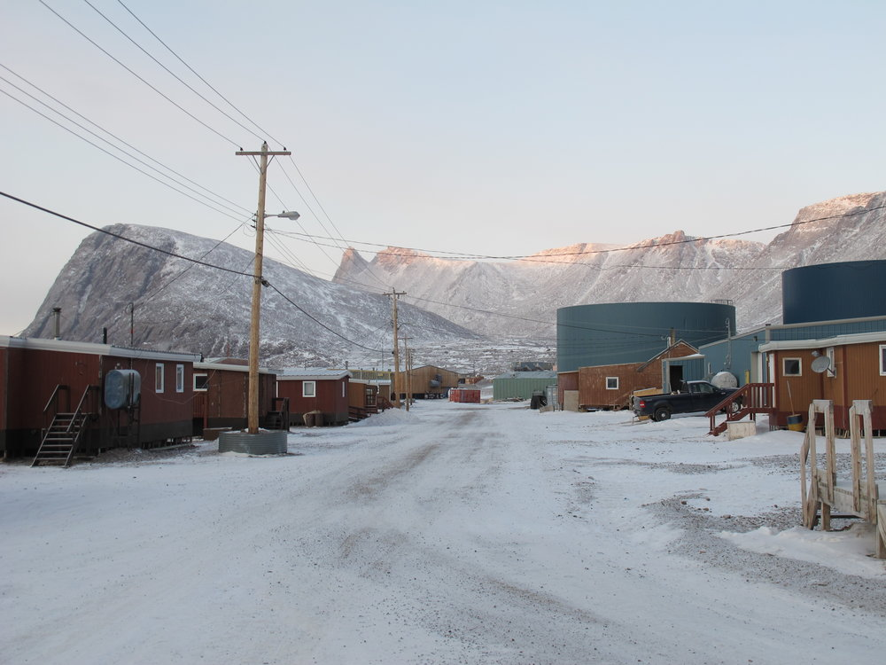 A residential street in Grise Fiord (Image:  Wikimedia Commons )