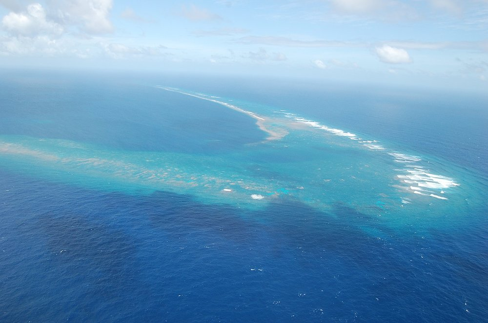 Kingman Reef sits about halfway between Hawaii and American Samoa (Image:  Wikimedia Commons )